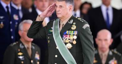Você sabe o nome do comandante do Exército?
