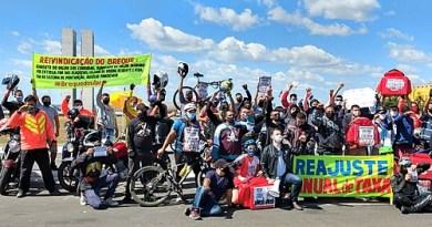 """Sindicatos apoiam greve dos entregadores e categoria celebra """"conscientização"""""""