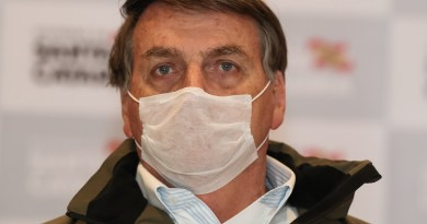 Bolsonaro volta a se queixar sobre o auxílio emergencial