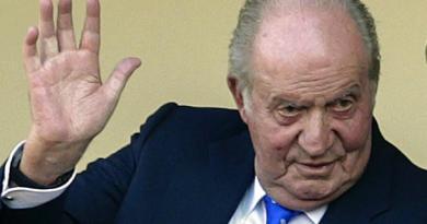 Rei emérito Juan Carlos I abandona Espanha