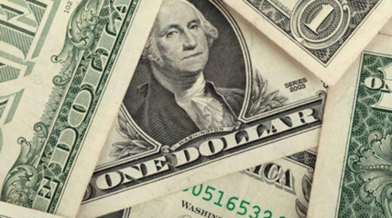 Dólar sobe e Bolsa fecha estável em pregão volátil com 'cartão vermelho' de Bolsonaro