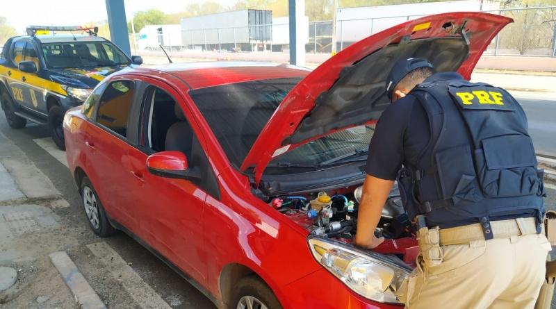 PRF prede homem e recupera carro clonado na BR 316 em Valença