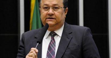 'Se Deus quiser, vamos derrubar', diz líder da bancada evangélica sobre veto de Bolsonaro