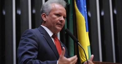 André Figueiredo rebate Mattar sobre privatização dos Correios: 'Picaretagem'