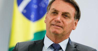 Bolsonaro diz que pediu flexibilização da entrada de estudantes nos EUA