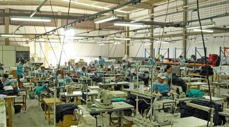 Faltam costureiras em polo têxtil do Agreste apesar de desemprego recorde