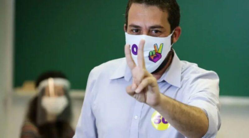 Boulos rebate Mourão por fala sobre racismo e diz que vai recriar secretaria em SP