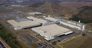 Mercedes Benz fecha fábrica e deixa 370 funcionários ameaçados de desemprego