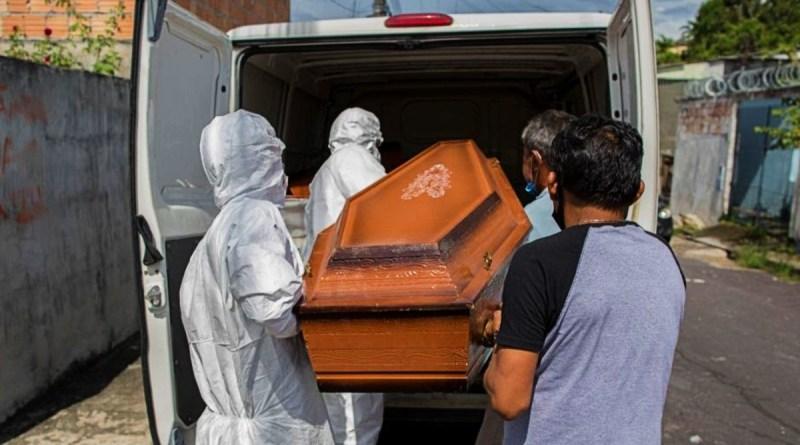Brasil ultrapassa 360 mil mortes por covid 19. Fiocruz alerta: 'não é hora de flexibilizar isolamento'