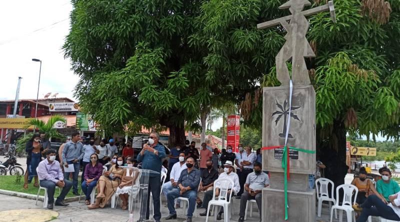 Estátua do Trabalhador é reinaugurada no último sábado em Barreirinhas