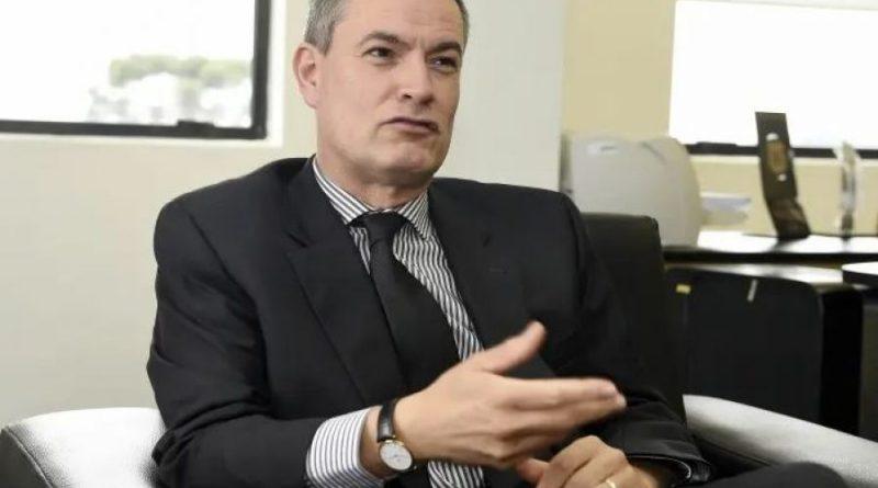 Governo Bolsonaro barra diretor geral da PF de Moro e nomeia delegada para adida em Portugal