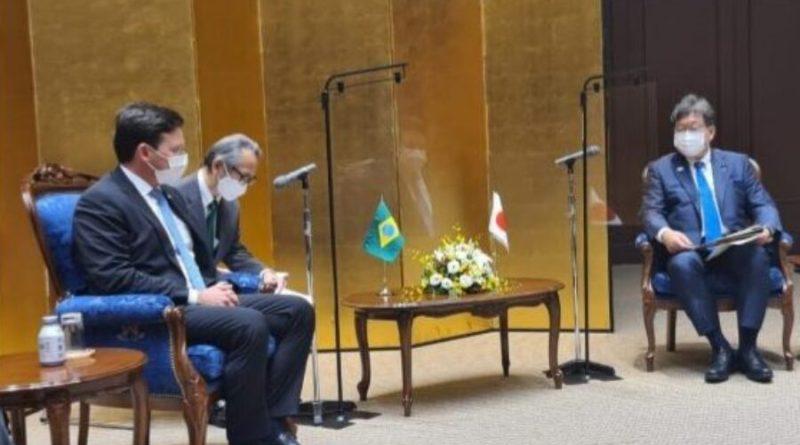 João Roma se reúne com ministro da Educação do Japão e destaca parceria com Brasil