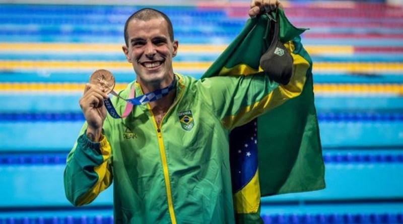 Bruno Fratus conquista medalha de bronze nos 50m livre nos Jogos Olímpicos   Hora do Povo