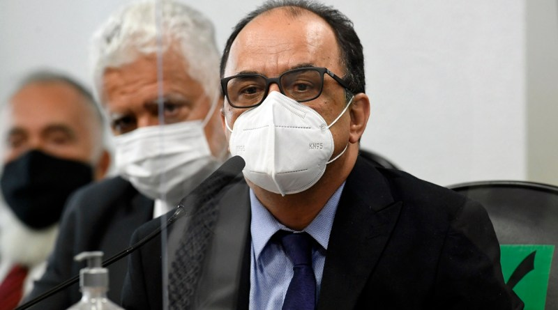 Reverendo Amilton recusa revelar contatos na Saúde e diz que citações a Bolsonaro eram 'bravatas'   Rede Brasil Atual