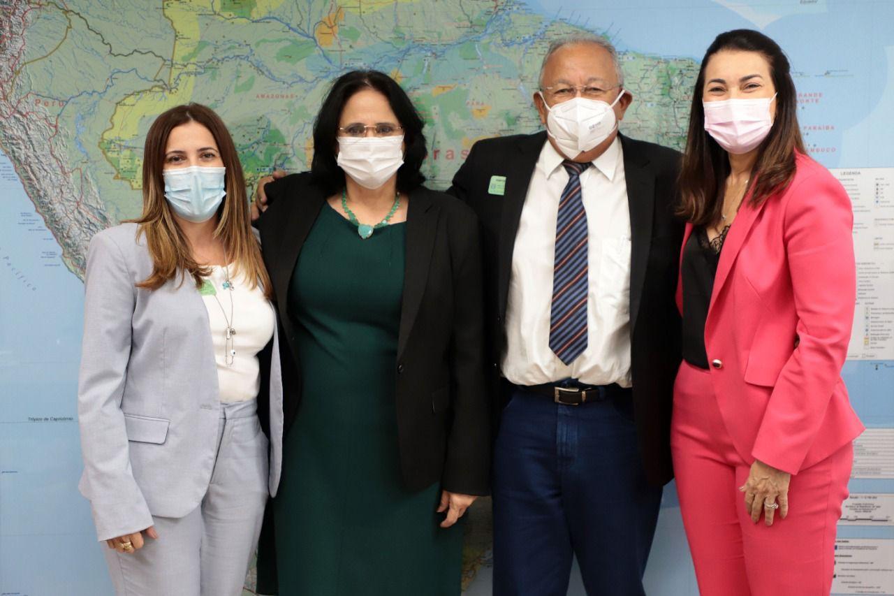 Karla Berge, Ministra Damares, Dr. Pessoa e Margarete Coelho