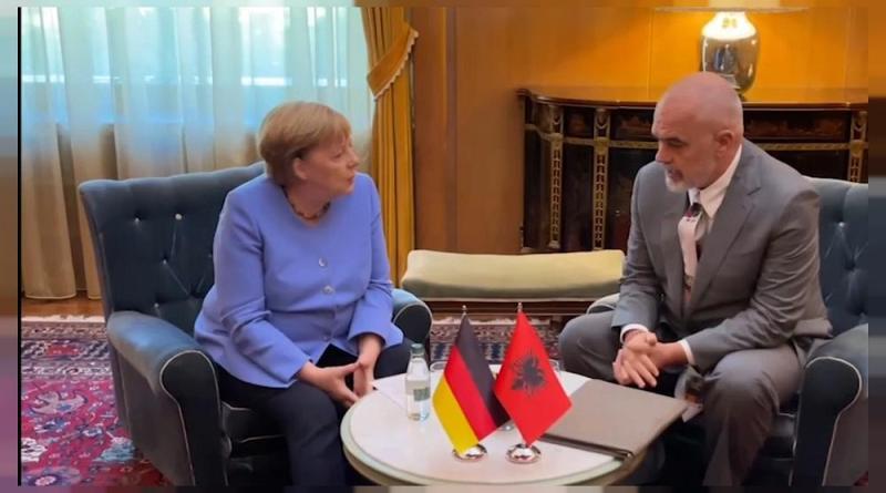 Merkel defende adesão dos Balcãs Ocidentais à UE