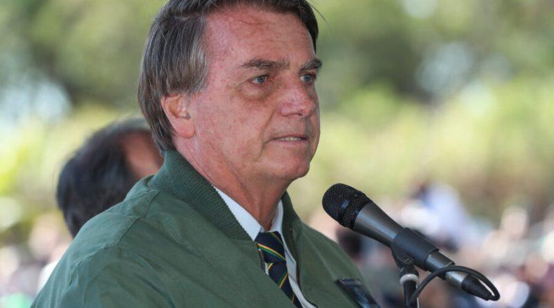 Bolsonaro chama Renan de bandido e diz que ele 'está de sacanagem' com relatório de CPI