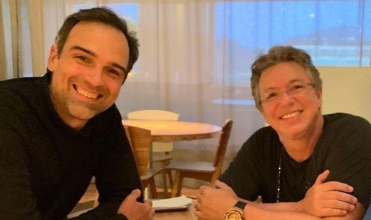 Tadeu Schmidt passa horas falando do 'BBB 22' com Boninho e perde compromissos: 'Vergonha' – Jovem Pan