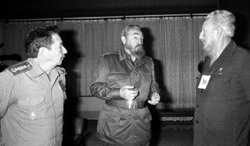 Os três irmãos, Raúl, Ramón e Fidel Castro Ruz, 24 de abril 1996