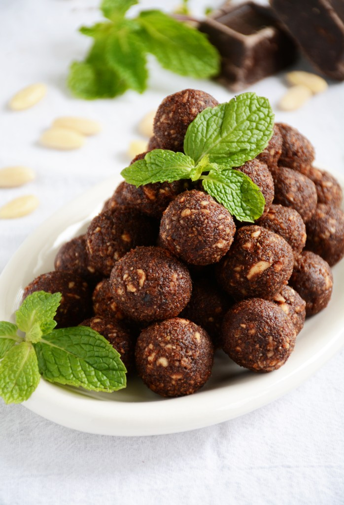 Raw Mint Chocolate Energy Balls