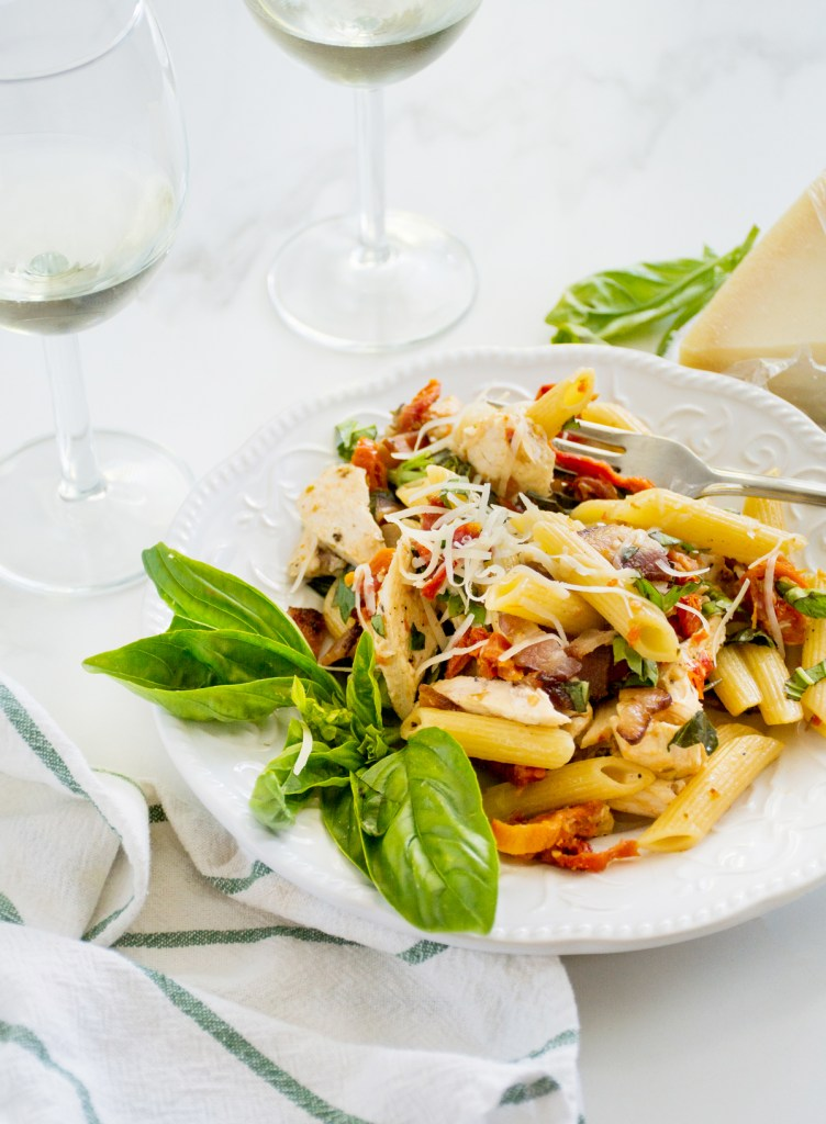Chicken, Bacon & Sun-dried Tomato Pasta with White Wine & Basil