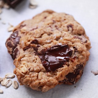Oatmeal & Ginger Chocolate Chunk Cookies