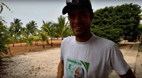 Quand on te force à porter le t-shirt de la présidentielle au Gabon
