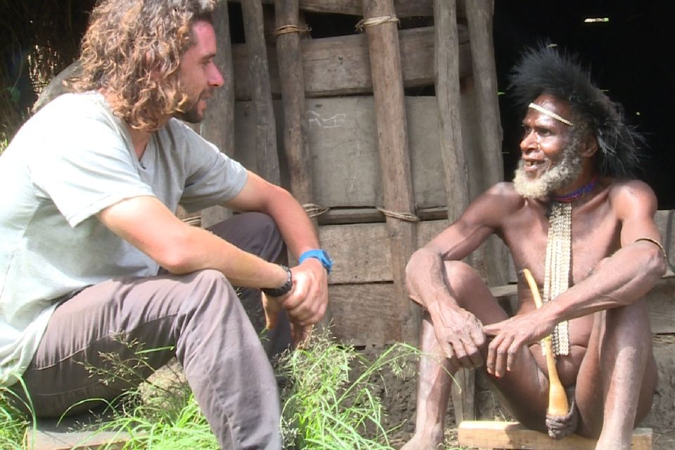 Erwan Simon chez les Papous !