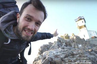 Que se passe t-il lorsqu'un youtubeur passe une nuit dans un phare hanté ?