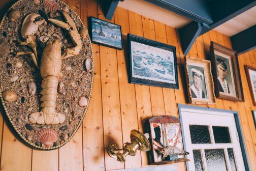 Des reliques se cachent dans le bar Les Brisants