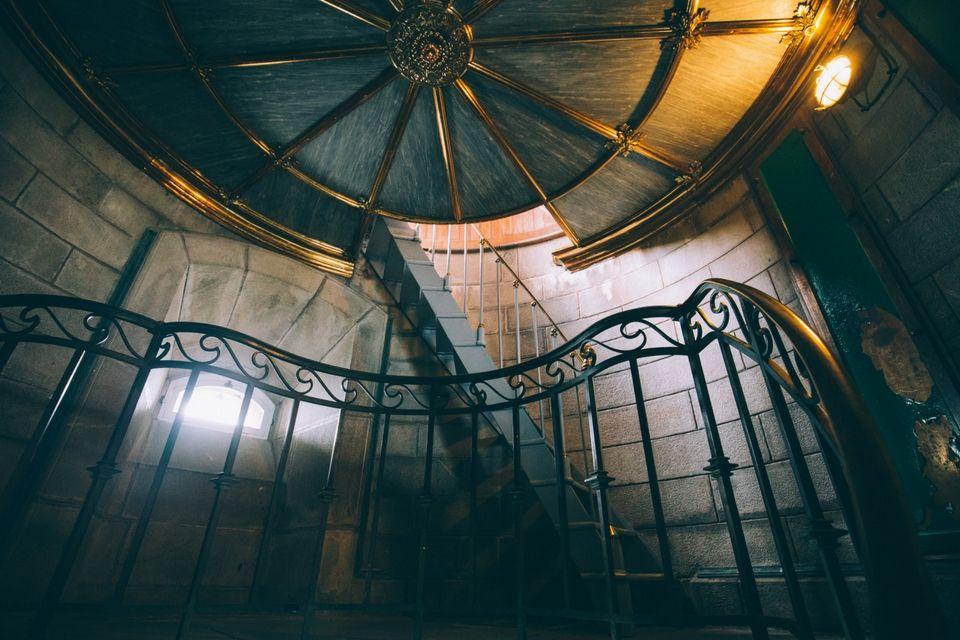 Des matériaux nobles pour un monument paré à traverser les âges