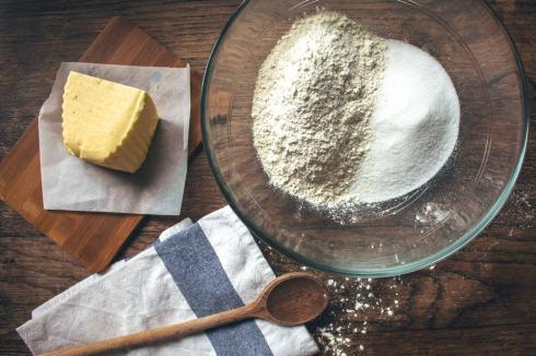 Première étape de la recette : mélanger les poudres !