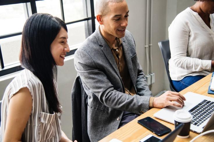 La jeune start-up connecte aussi les gens.
