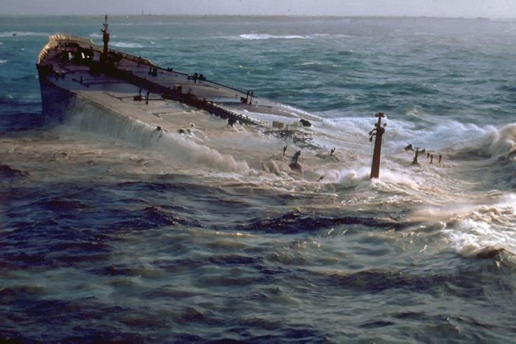 Fin du naufrage de l'Amoco Cadiz au large des côtes bretonnes