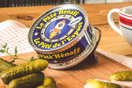 Le Pâté Hénaff se suffit à lui-même, surtout pour les tapas bretonnes.