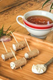 Une bolée de cidre pour accompagner les roulés de crêpe de sarrasin, du bonheur !