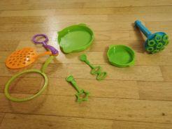 Les ustensiles pour faire des bulles sont des outils qui permettent de stimuler le langage du bébé de 2ans et plus.
