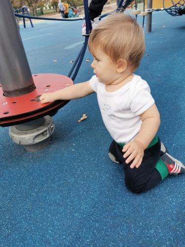Comme Emmi Pikler l'expliquait, la motricité libre permet à l'enfant de se développer naturellement.