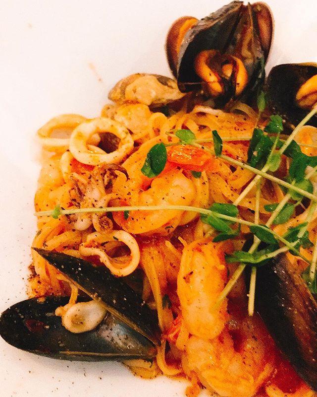 #Linguine al #Frutti di Mare - new menus added #firstmealoftheday @persesocialcorner ..#pasta #seafood #clams #mussels #vinoblanco #prawns #italian #dinner #yaletown #vancouver - from Instagram