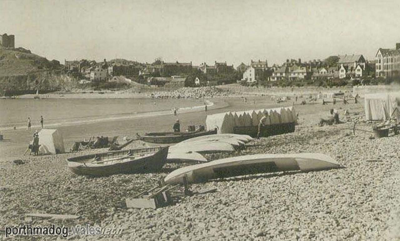 Postcard of Criccieth Beach