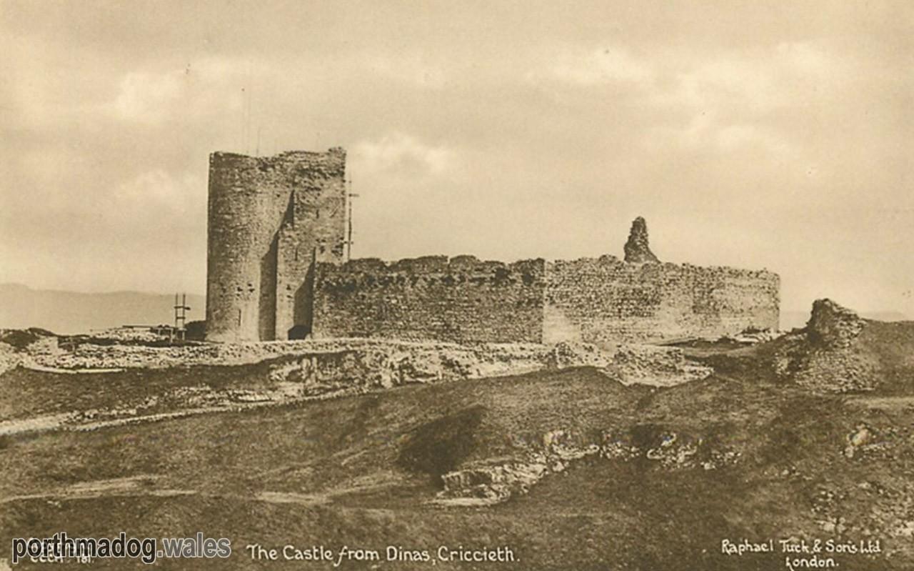Postcard of Criccieth Castle