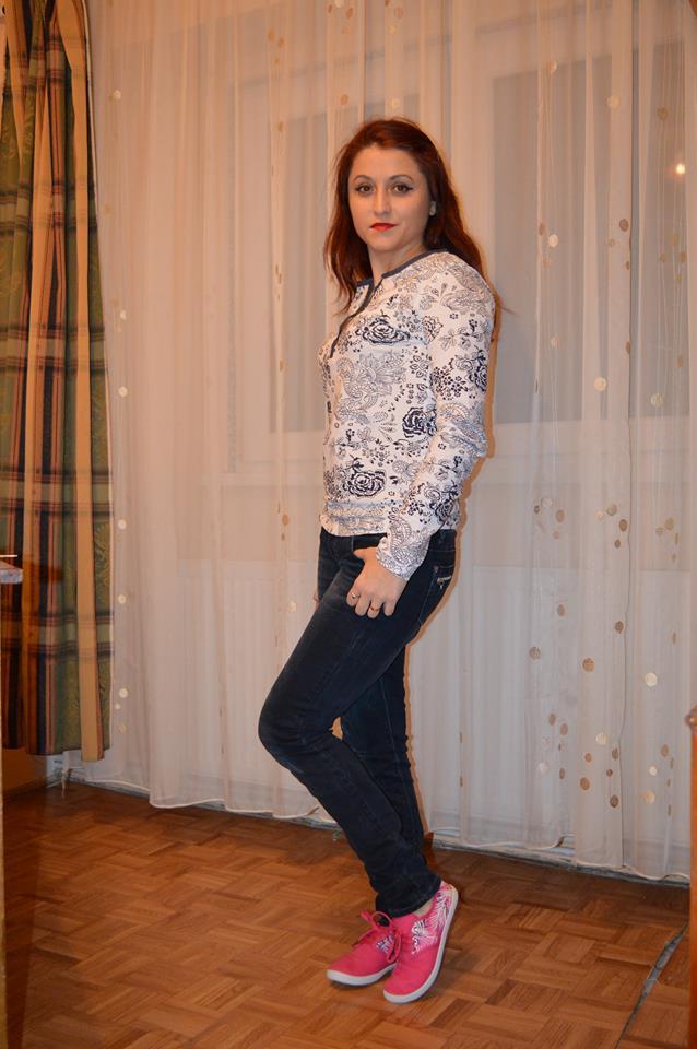 bluză înflorată Bonprix