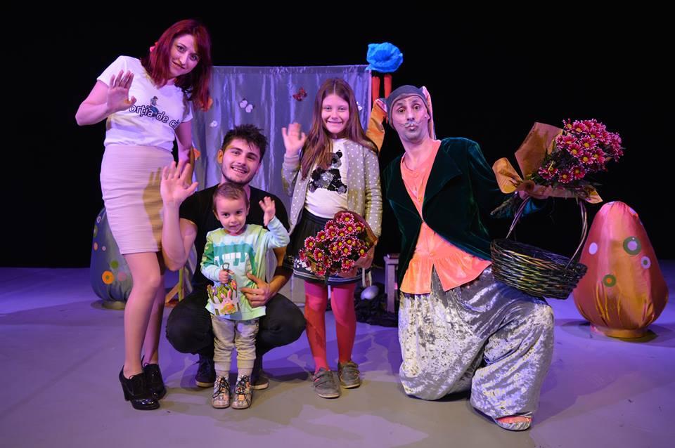 Iepurașul de Paște îi invită pe copiii din Iași la spectacol