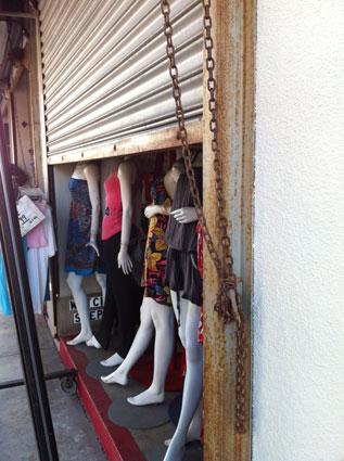 Retail guillotine