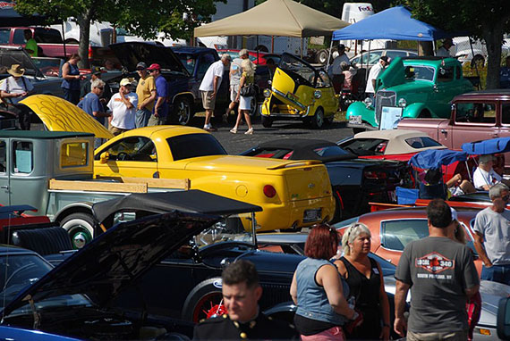 Portland Motor Club Toys-for-Tots Show in full swing