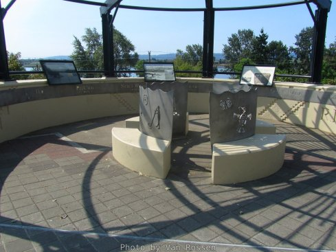 On of two viewing and information circles on the land bridge.