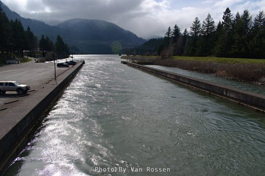 Viewing down the flooded Cascade Locks.