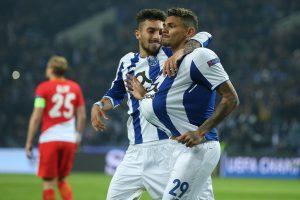 2 Joueurs du FC Porto fetant un but - Saison 2017-2018