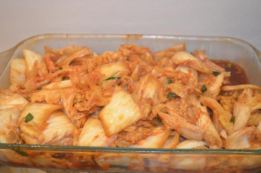 Many+families+prepare+kimchi%2C+a+traditional+Korean+dish%2C+during+fall.
