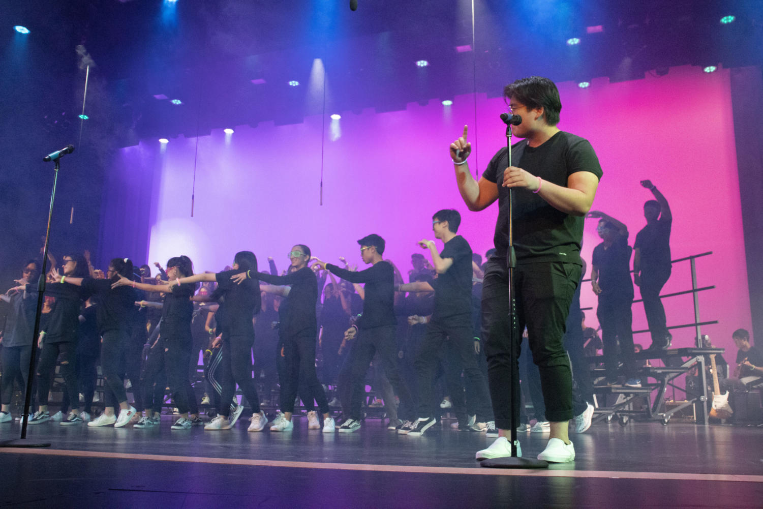 """Concert Chorale and Portola Singers performs """"Hooked on a Feeling"""" as the opening piece of the action packed evening filled with numerous productions."""
